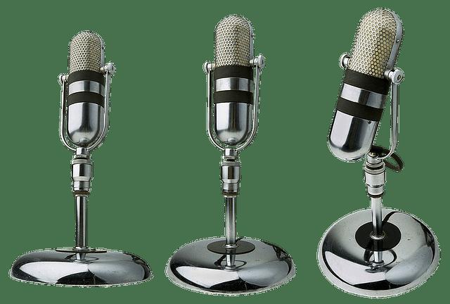 microphones-1491019_640
